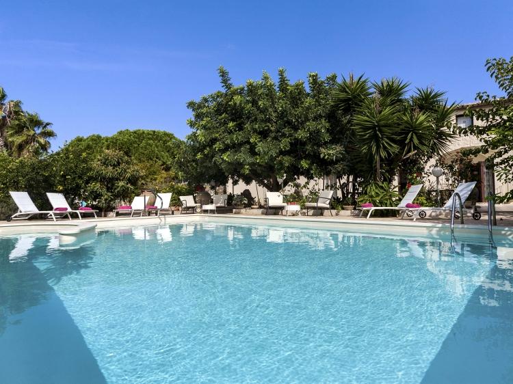 B&B Villa U Marchisi Sicily Cava D'Aliga Italy Swimming Pool