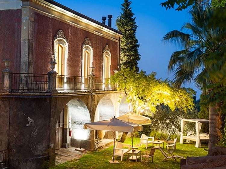 Monaci Delle Terre Nere hotel Sicily hip hotel