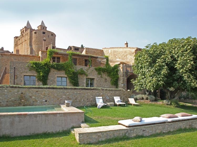 Can Bassa hotel costa brava apartamentos para alquilar cASAS PARA ALQUILA con encanto en cataluña