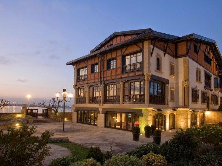 Hotel Ercilla Embarcadero hotel Pais Vasco hotel con encanto frente al mar