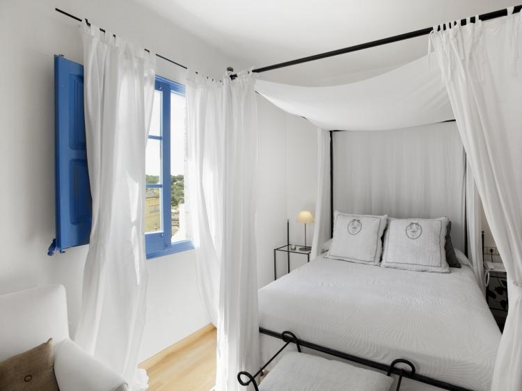 Hostal La Plaça Girona Hotel cabrils hotel con encanto