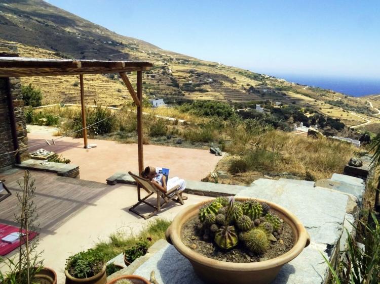 Escapada Tinos Ecolodge Big Stone House Cyclades Grecia hotel con encanto barato lujoso boutique con caracter pequeño