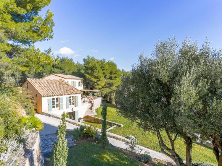 Villa des Oliviers   170 Chemin de la Tourelle, 83110 Sanary-sur-Mer, casa para alquilar