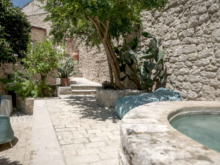 residenza hortus modica italy