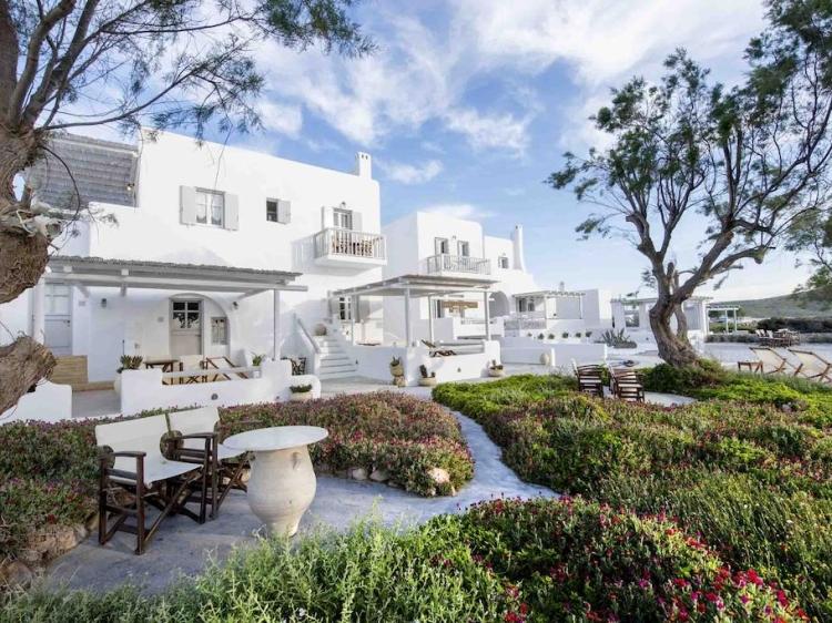 Nefeli Sunset Studios Milos Pollonia villa junto al mar con encanto