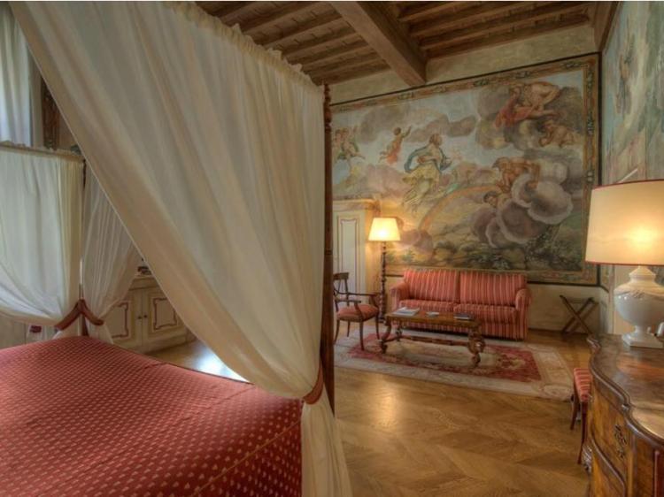 Palazzo Niccolini al Duomo Florence Italy Bed