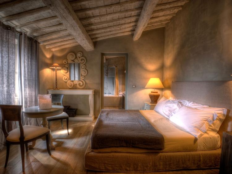 Villa Sassoloni tuscany boutique