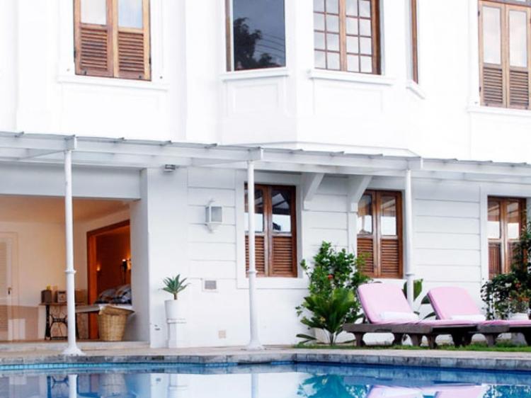 mama ruisa hotel. Black Bedroom Furniture Sets. Home Design Ideas