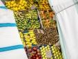 the historic Ortigia market close by