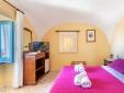 La Vetara batroom with bath and shower