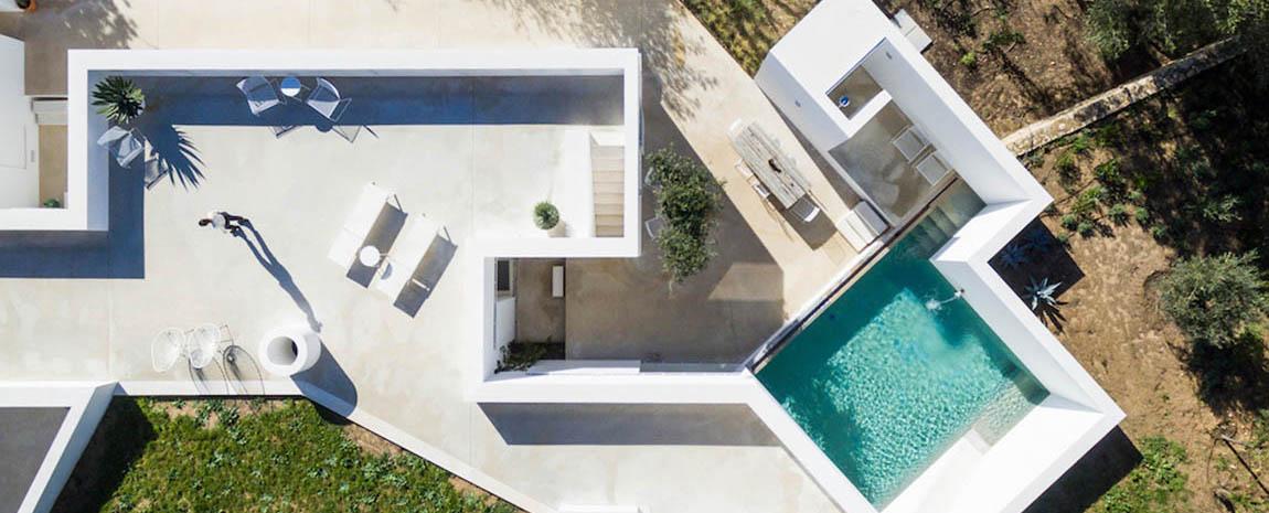 Holiday Homes & Villas