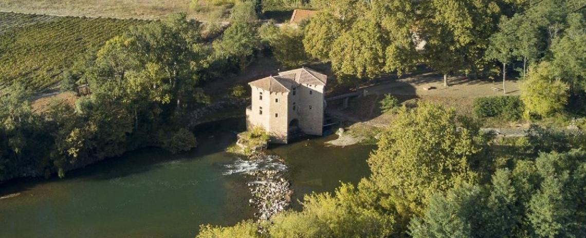 Le Moulin Sur la Rivière