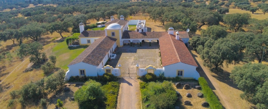 Rosa Estates - The Farmhouse & Stables
